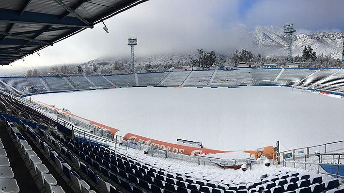 Por los efectos de la nieve, la ANFP vuelve a suspender los duelos de Colo Colo y la UC por las revanchas de Copa Chile