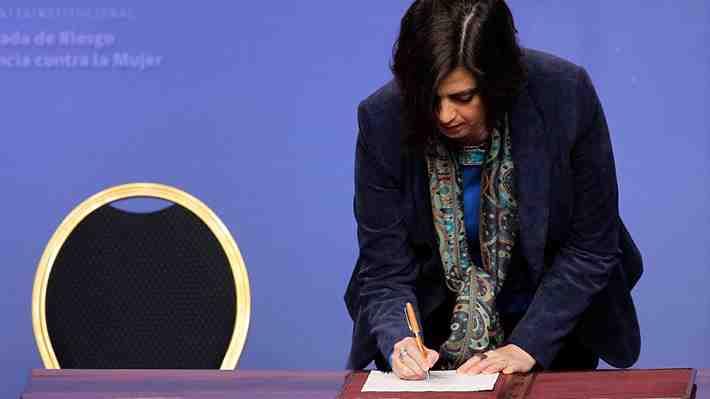 Ministra aclara: El Gobierno no apoyará jurídicamente a Nabila Rifo ante Corte Interamericana de DD.HH. ¿Estás de acuerdo?
