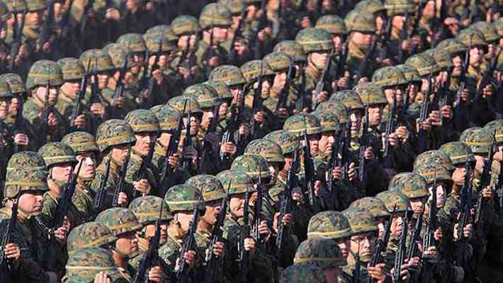 La razón que justificaría extender la carrera militar en las FF.AA. más de 30 años. ¿Qué opinas?