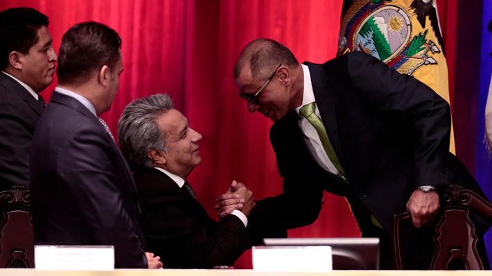 Presidente de Ecuador retira funciones a vicepresidente que lo criticó públicamente