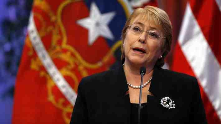 """Bachelet dice que su gestión ha sido """"mucho mejor"""" que la de Sebastián Piñera. ¿Qué opinas?"""