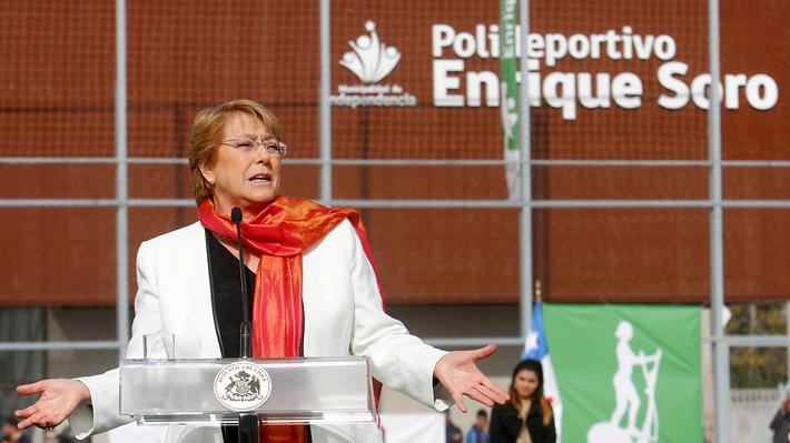 """Bachelet expresa """"emoción"""" por reacción en redes sociales ante aprobación de ley de aborto"""