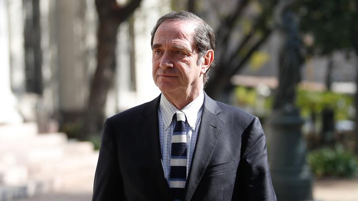 """Senador Larraín descarta propuesta de J.A. Kast de derogar aborto: """"Es una cuestión populista"""""""