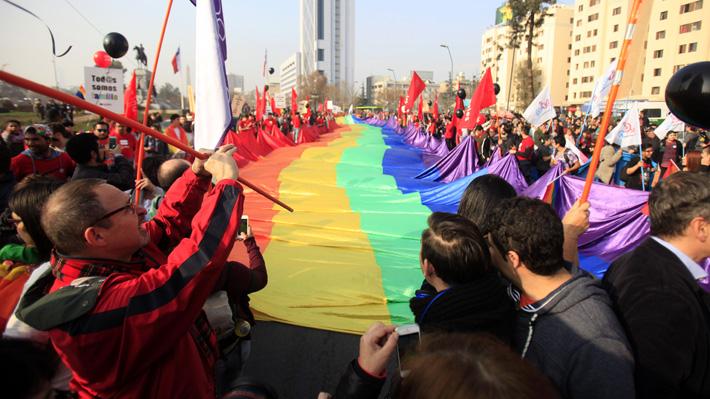Gobierno presenta hoy proyecto de matrimonio igualitario y DC pide tiempo para debatirlo