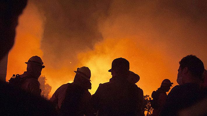 Incendio consume diversos camiones en San José de la Mariquina