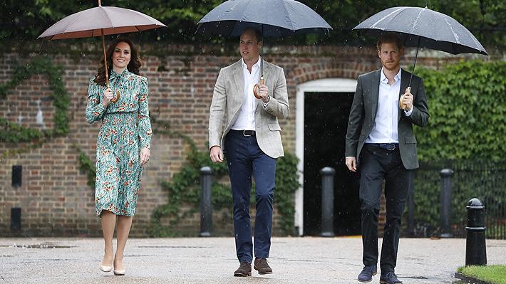 """Príncipe Harry sobre nuevo sobrino: """"Es fantástico (...) Estoy muy, muy feliz por ellos"""""""