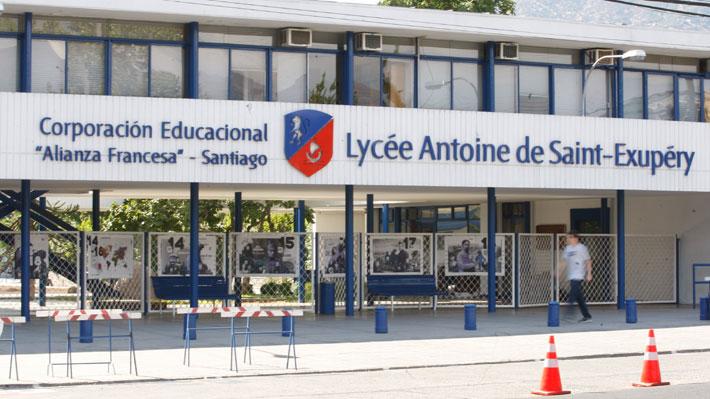 """Madre de alumno de la Alianza Francesa asegura que la """"presión psicológica"""" del tribunal estudiantil lo """"deprimió"""""""