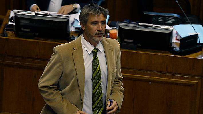 Caso SQM: Senador Fulvio Rossi nuevamente no llega a su formalización y Fiscalía pedirá su desafuero