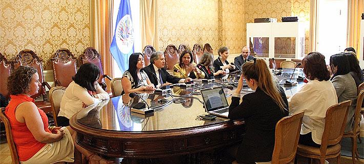 Secretario general de la OEA se reúne con empresarias chilenas: Queda mucha equidad de género por lograr