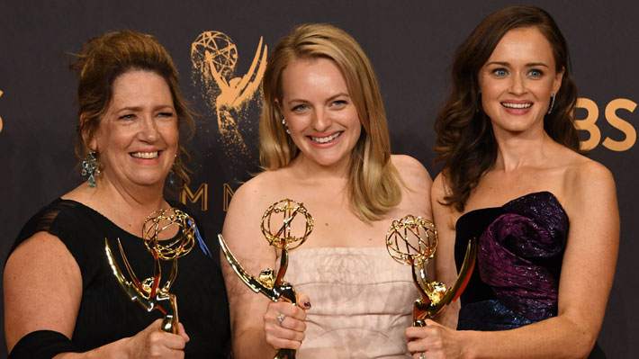 """""""The Handmaid's Tale"""" y """"Big Little Lies"""" se coronan como las grandes ganadoras de los Premios Emmy 2017"""