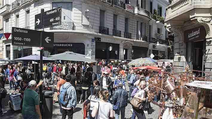 La transformación del famoso barrio San Telmo de Buenos Aires: de rincón de anticuarios a polo gastronómico