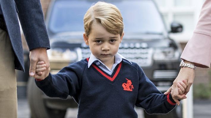 Príncipe George ya estaría aburrido de ir al colegio