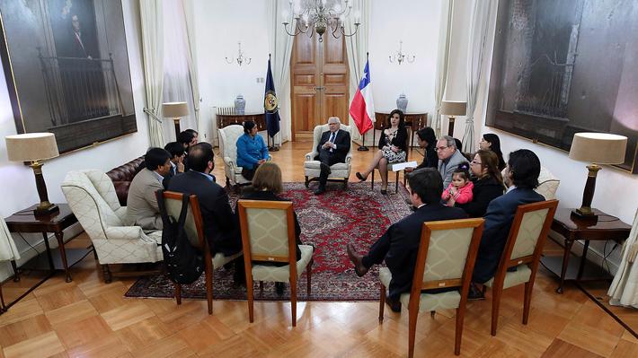 Presidenta Bachelet se reunió con familiares de comuneros en huelga de hambre