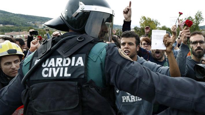 """Gobierno español afirma que hará """"todo lo que la ley permite"""" para impedir la declaración de independencia catalana"""