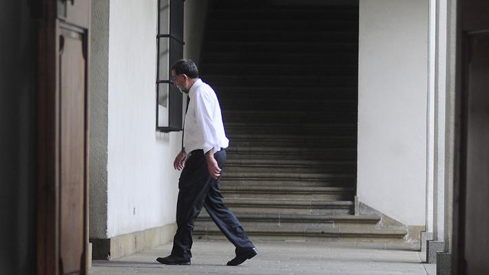 Aleuy toma feriado legal indefinido y mantiene incertidumbre sobre su permanencia en el Gobierno