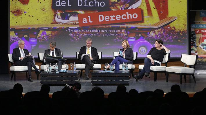 "Debate organizado por el Hogar de Cristo se zanja con dos ""rounds"" entre candidatos"