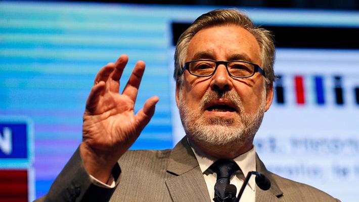 """Guillier: """"La derecha chilena es demasiado conservadora, incluso en materia económica"""""""