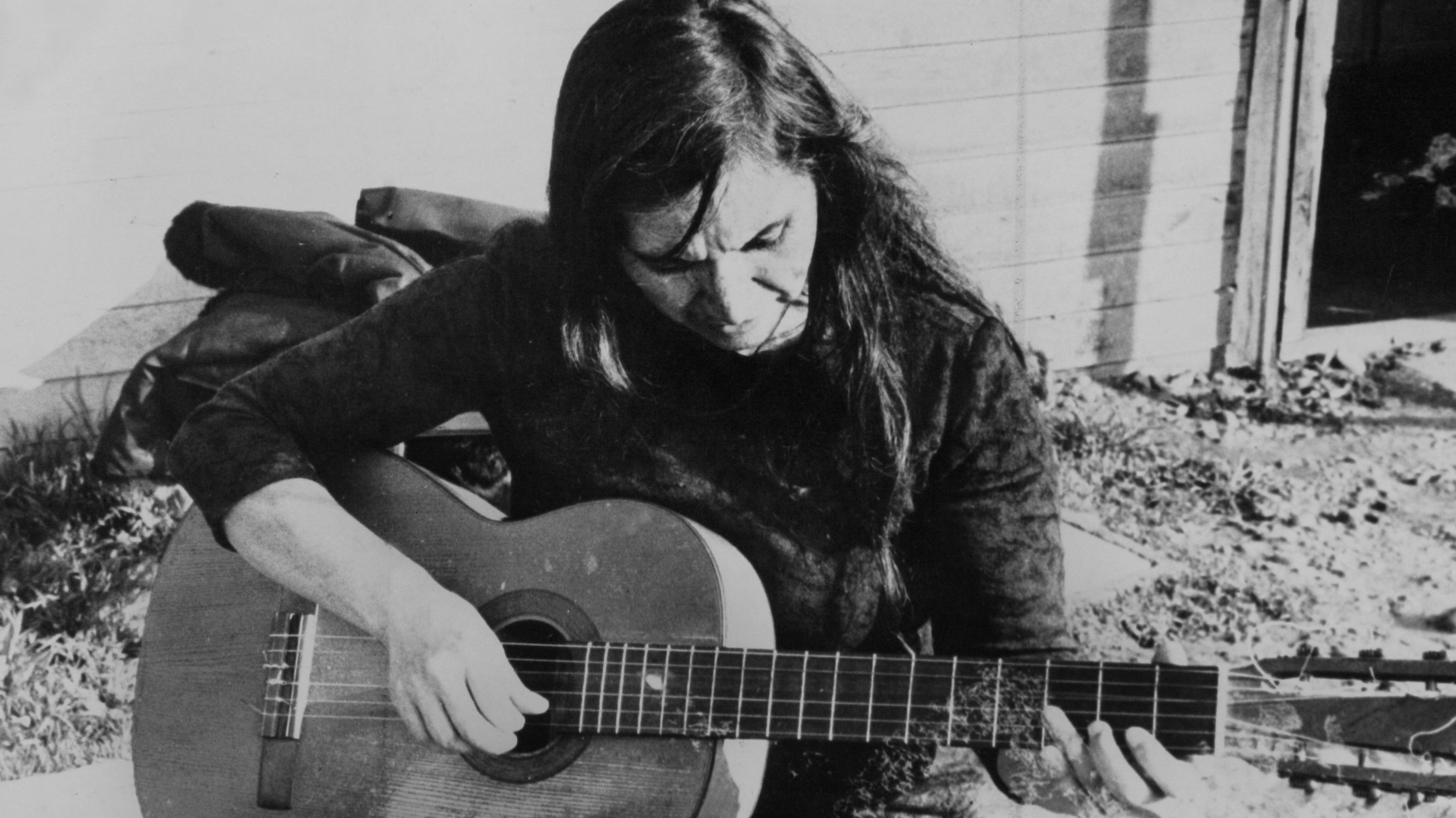 """Violeta Parra: Cinco datos desconocidos sobre la artista contenidos en la nueva biografía """"Después de vivir un siglo"""""""