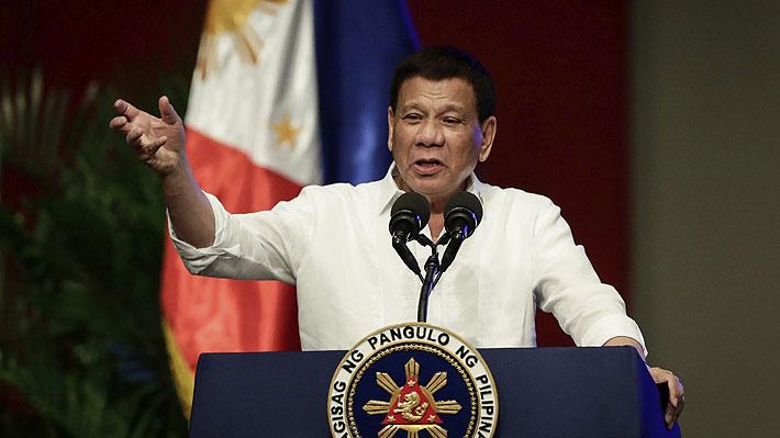 """Presidente filipino decide distanciar a la Policía de la """"guerra antidroga"""" tras escándalos por múltiples crímenes"""