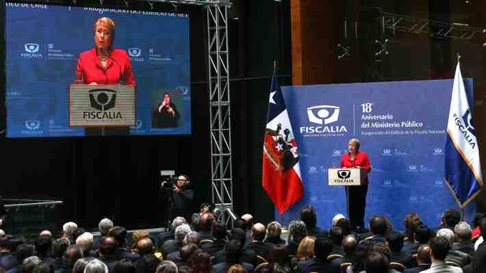 Bachelet a Piñera: Últimas cifras desmienten su campaña sobre delincuencia. ¿Qué crees tú?