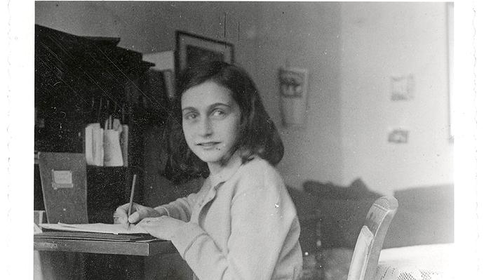 "Polémica por disfraz de Ana Frank para Halloween: ""No debemos trivializar su memoria"""