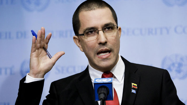 "Canciller venezolano rechaza asilo a magistrados en Chile: ""Muñoz sirve como un esclavo de la ultraderecha"""