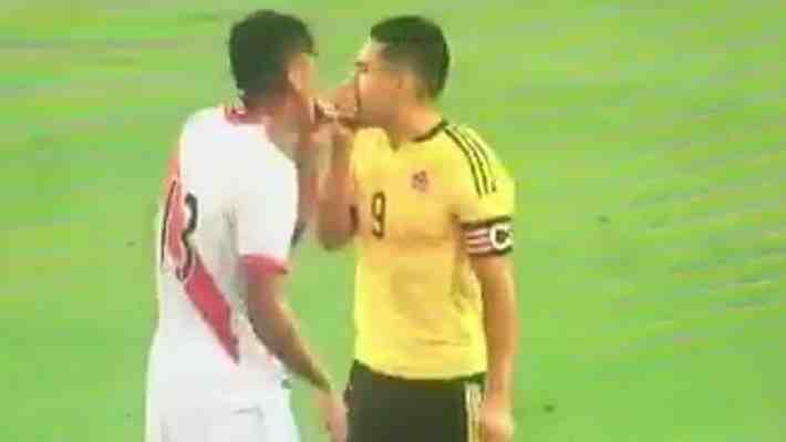 FIFA acogió reclamos de chilenos por supuesto arreglo entre Perú y Colombia. ¿Se debe investigar?