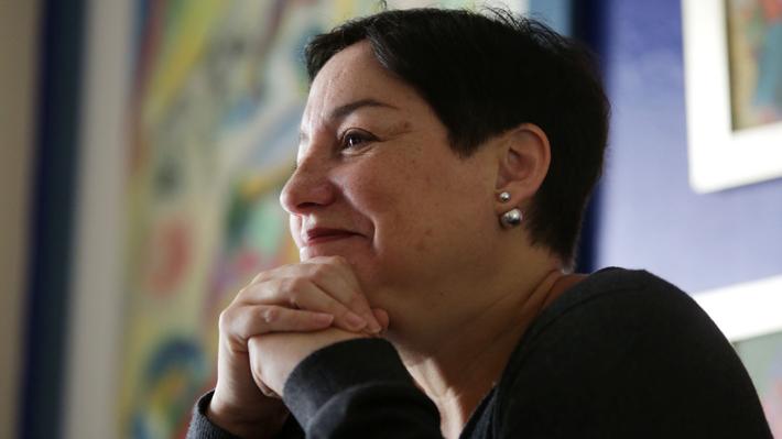 Eutanasia y expropiación: Las iniciativas que Beatriz Sánchez incluye en su programa de Gobierno