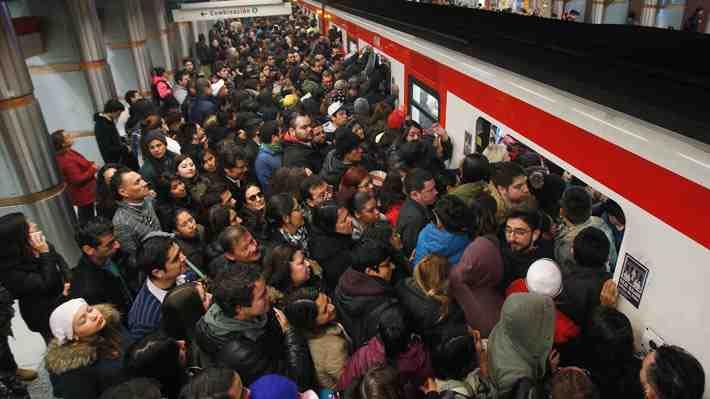 Piden vagones segregados en el Metro para hombres y mujeres por acoso sexual. ¿Estás de acuerdo?