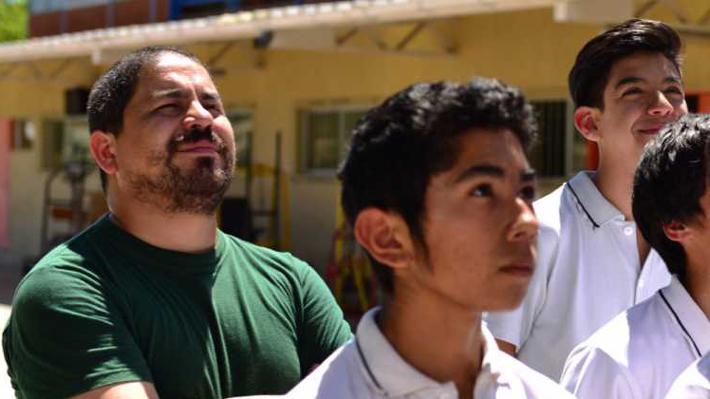 De personal de aseo en el Metro al mejor profesor de Chile: Conoce la historia de Eduardo Cortés