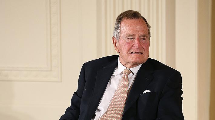 George H.W. Bush da explicaciones tras segunda denuncia de acoso a una actriz