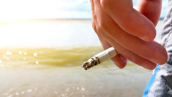 ¡Atención viajeros! Tailandia sancionará a quienes fumen en sus playas