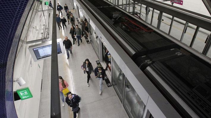 """""""Bienvenidos primeros pasajeros"""": Así fue la apertura de la Línea 6 del Metro"""