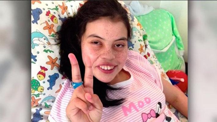 La compleja historia familiar de la niña de 13 años que murió al no recibir un trasplante