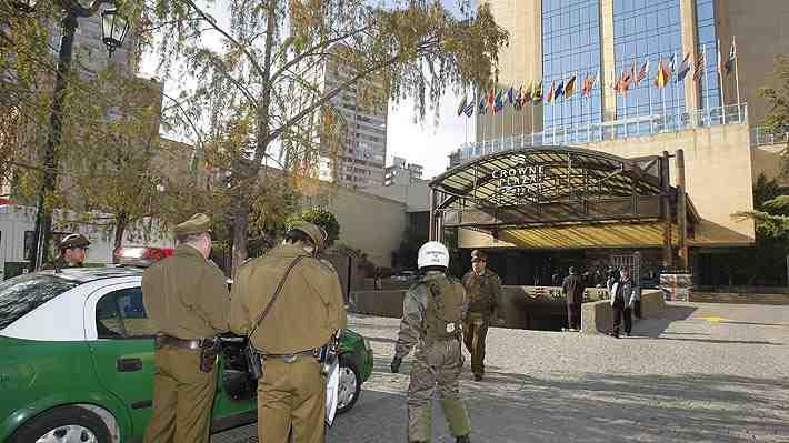 En tiempo real: Carabineros inicia operativo de resguardo en lugares en que presidenciables esperarán resultados