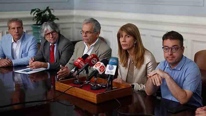 ¿Qué opinas de la reaparición de Ricardo Rincón?: Presionó salida de Goic y se reunió con Guillier