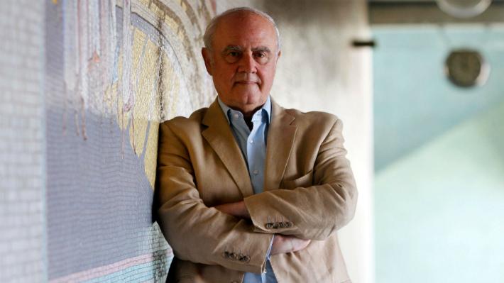 """Agustín Squella: """"El centro político es una ficción, un ardid electoral para captar votos"""""""
