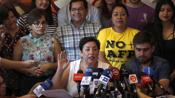 Frente Amplio llama a la gente a votar en la segunda vuelta sin apoyar explícitamente a Guillier