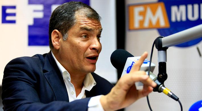 """Ex Presidente Correa asegura que Ecuador """"empieza a dejar de ser"""" una democracia"""