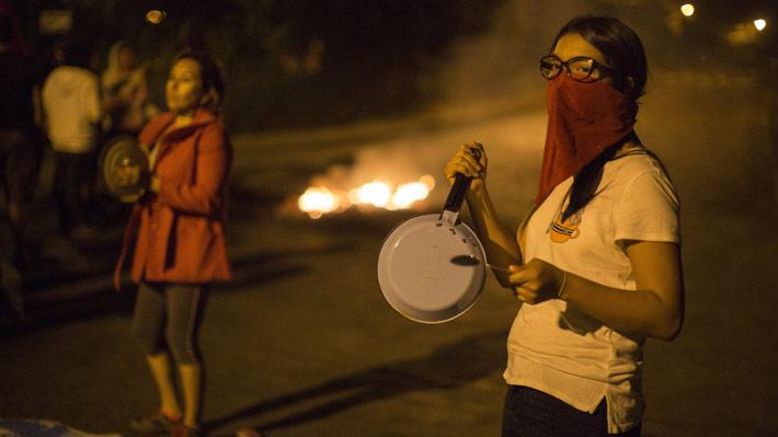 Toque de queda, violencia y acusaciones de fraude: Las claves del conflicto en Honduras tras los comicios presidenciales