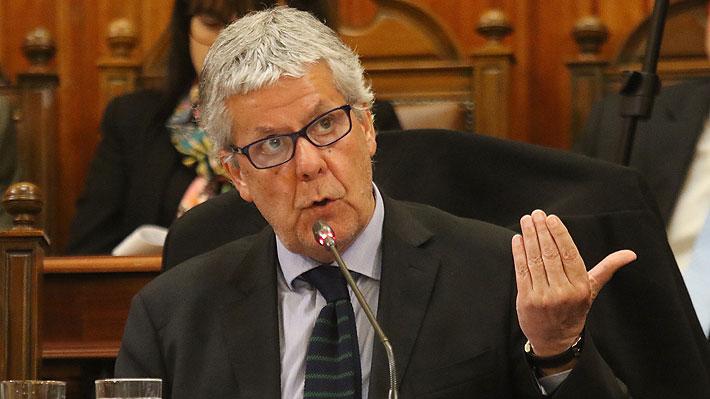 Ministro de Hacienda pide elevar nivel del debate tras polémica frase de Guillier