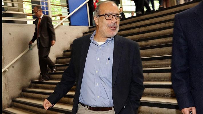Ex ministro Rodrigo Valdés reaparece con duras críticas a economistas