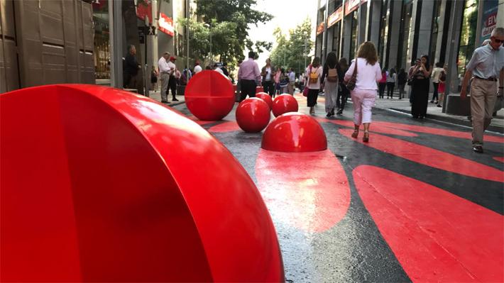 Paseo Bandera: Tres mil metros cuadrados de color en pleno corazón de Santiago