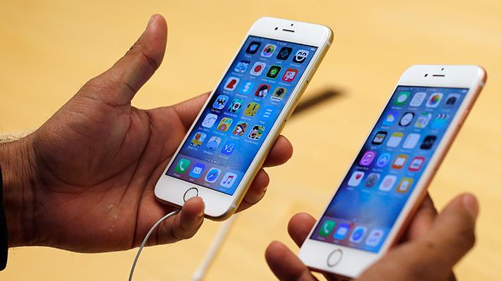 """Apple confirma que le baja la capacidad de funcionamiento a sus iPhone cuando """"envejecen"""""""
