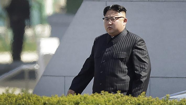 """Kim Jong-un afirma que tiene un """"botón nuclear"""" en su escritorio"""