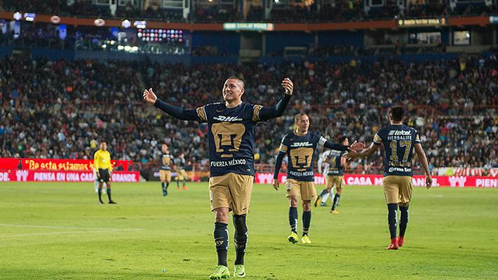 El estadio se rindió a sus pies: La impresionante ovación que los hinchas de Pumas le dedicaron a Castillo por su doblete