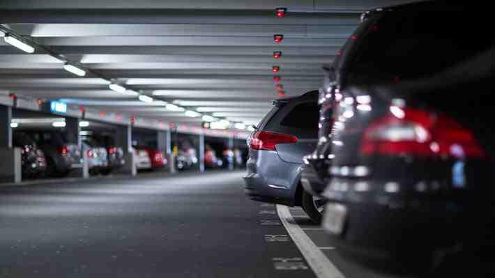 Robo de llantas: ¿Qué responsabilidad tienen los centros comerciales?