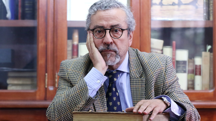 Familia Parra se querella contra César Soto y todo aquel que conserve cuadernos robados al antipoeta