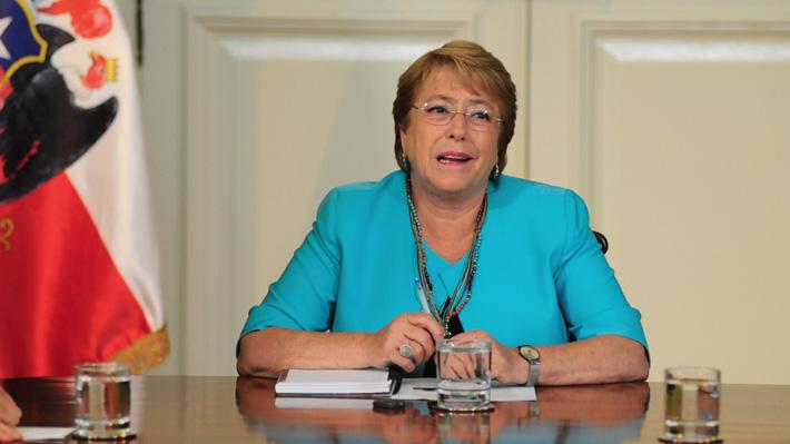 """Presidenta Bachelet sobre ataques a iglesias en Santiago: """"Esto de anoche es muy extraño"""""""