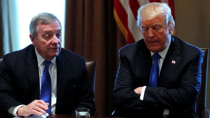 "Senador demócrata confirma que Trump usó la expresión ""agujeros de mierda"" en reunión con legisladores"